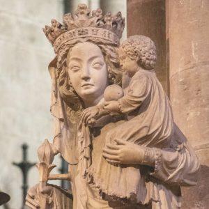 Je vous salue Marie, la prière catholique à la sainte Vierge, Mère de Dieu.