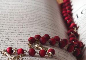 Les 20 mystères du Rosaire dans la Bible